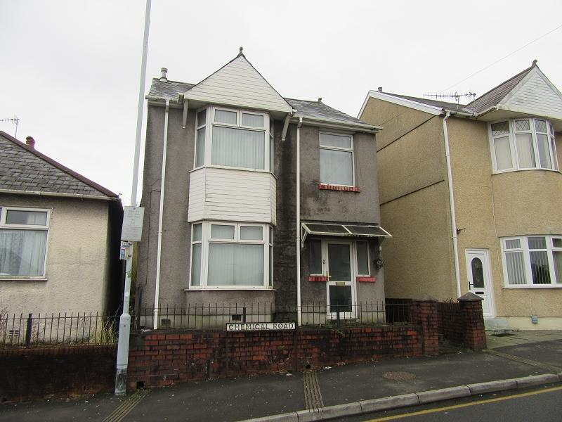 3 Bedrooms Detached House for sale in Chemical Road, Morriston, Swansea.