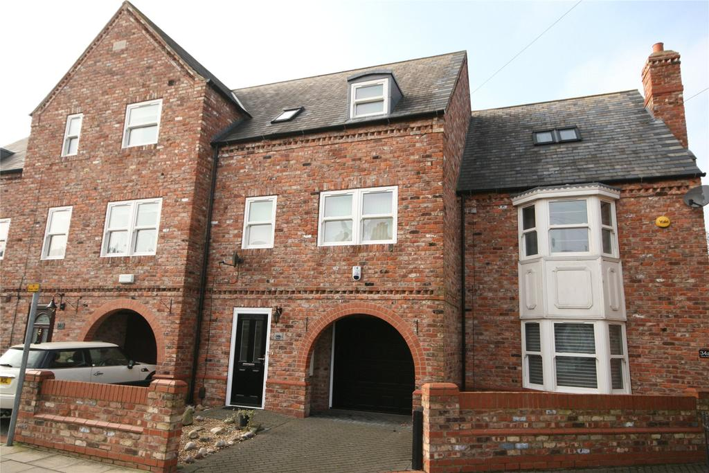 2 Bedrooms Terraced House for sale in Yarra Road, Cleethorpes, DN35