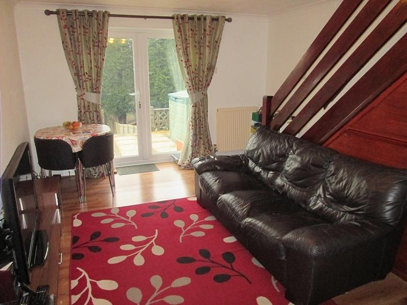 2 Bedrooms Terraced House for sale in Fox Grove, Fforestfach, Swansea, City County of Swansea.