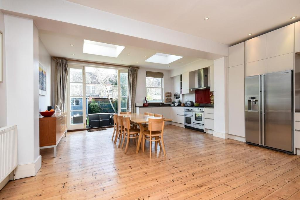 4 Bedrooms Terraced House for sale in Nimrod Road, Furzedown, SW16
