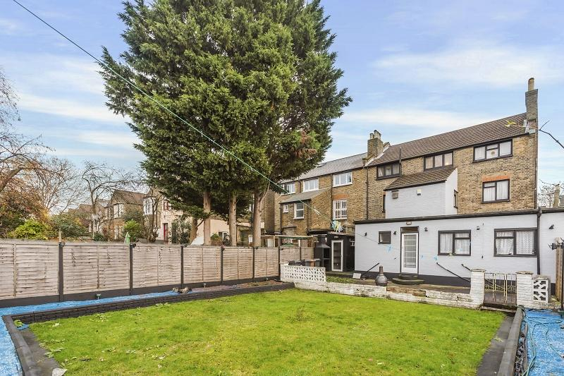 6 Bedrooms Semi Detached House for sale in Chadwick Road, London, Greater London. E11