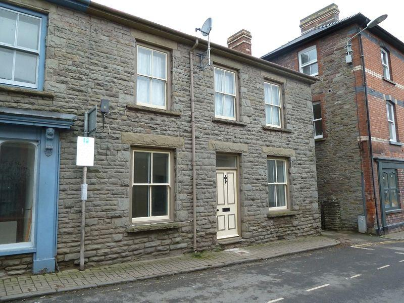 2 Bedrooms Ground Flat for rent in Bell Street, Talgarth, Brecon, Powys.
