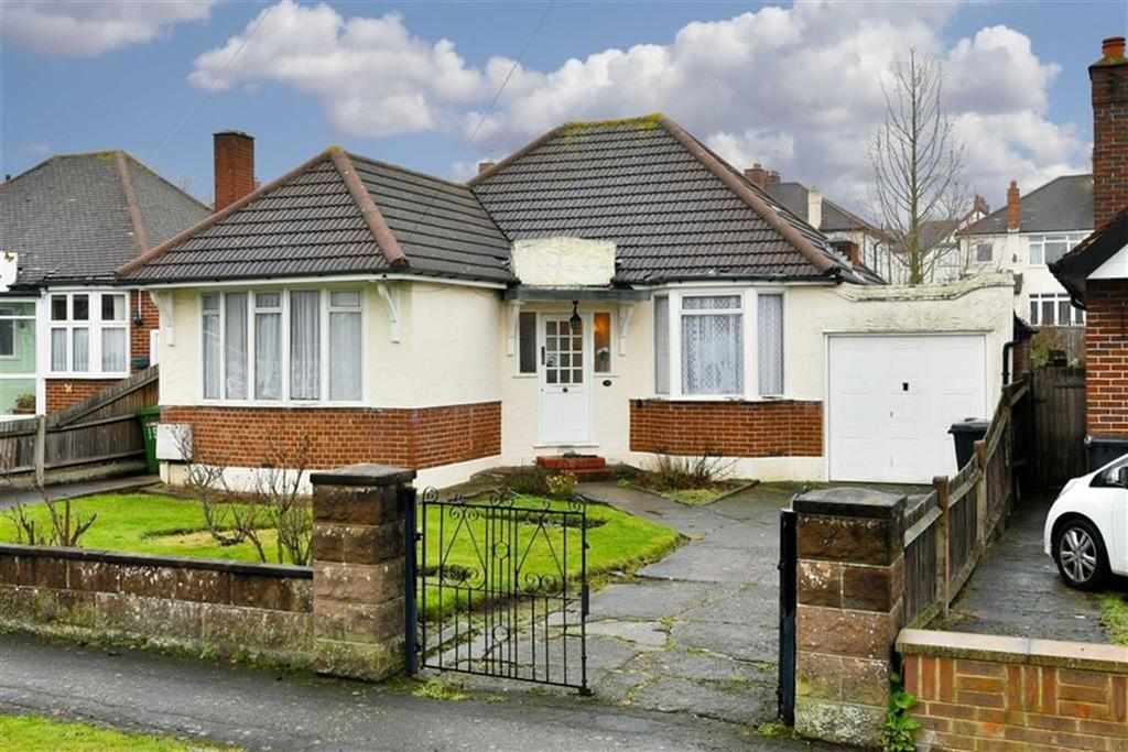 2 Bedrooms Detached Bungalow for sale in Preston Drive, Ewell, Surrey