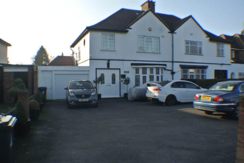 5 Bedrooms Semi Detached House for sale in Norwood Road, Southall, UB2