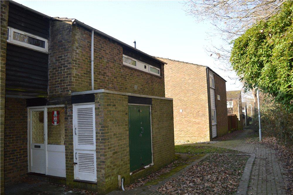 3 Bedrooms Terraced House for sale in Stoneyfield, Edenbridge, Kent