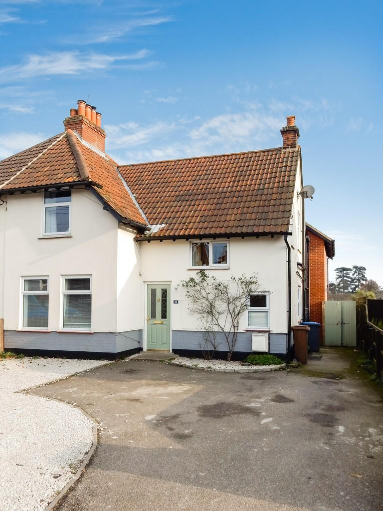 3 Bedrooms Semi Detached House for sale in Old Barrack Road