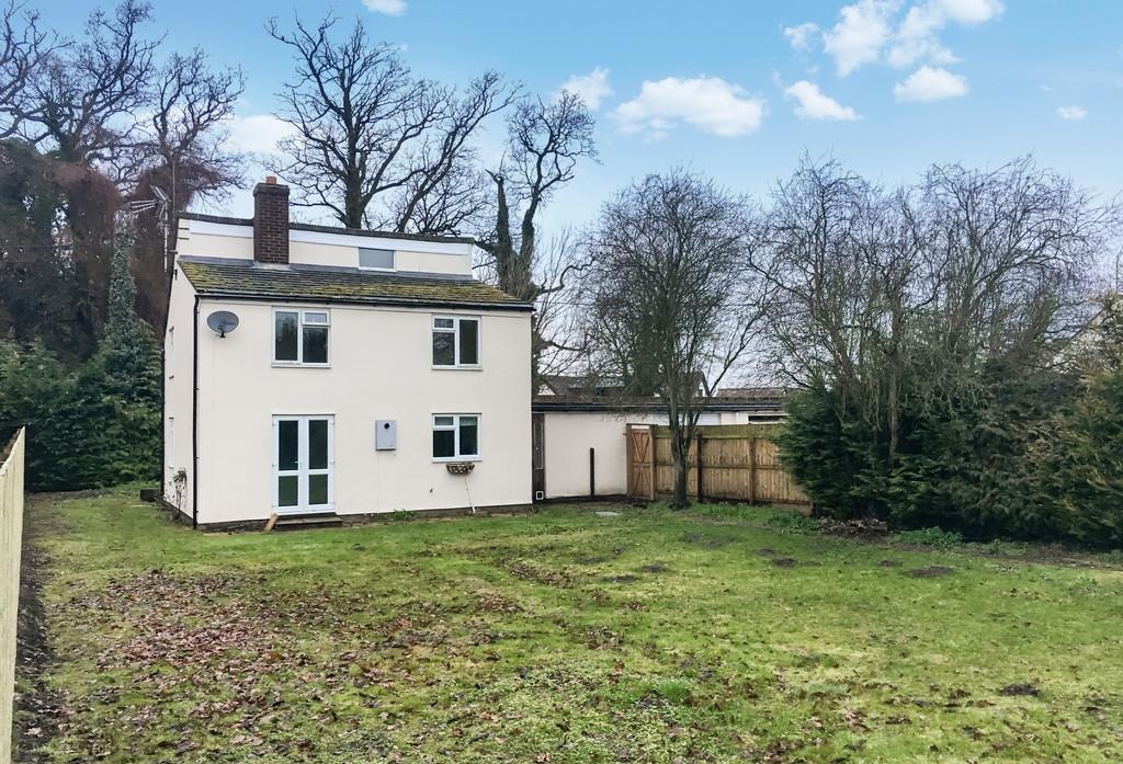 3 Bedrooms Semi Detached House for sale in Wherstead, Nr Ipswich, Suffolk