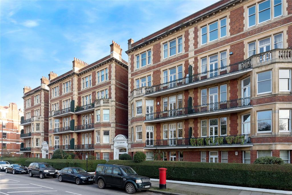 4 Bedrooms Flat for sale in York Mansions, Prince Of Wales Drive, London