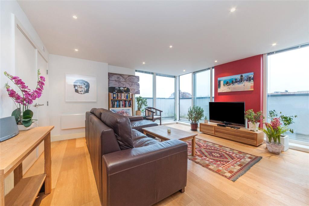 2 Bedrooms Flat for sale in Tiltman Place, London