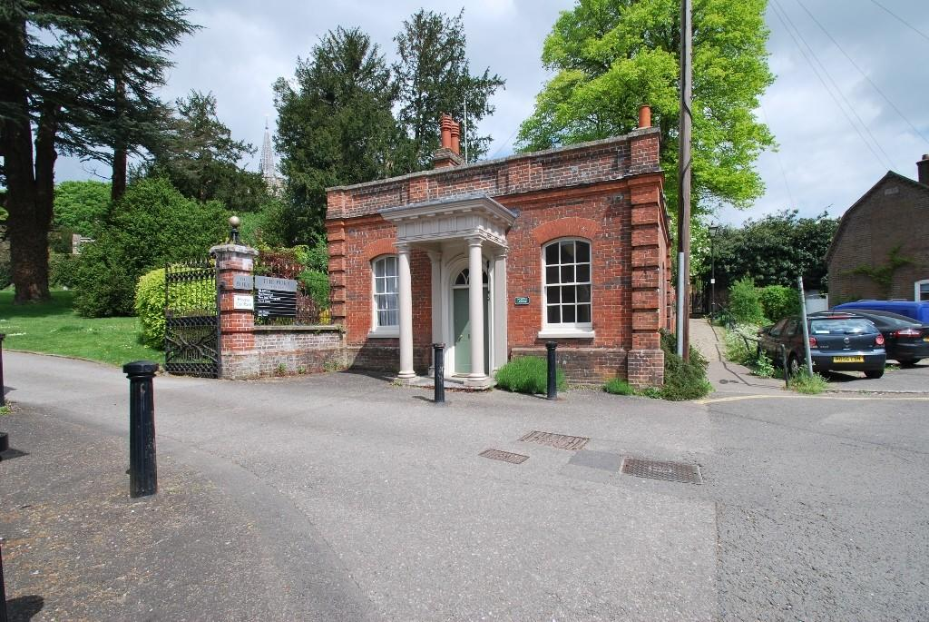 2 Bedrooms Detached House for sale in Church Street, Chesham, HP5