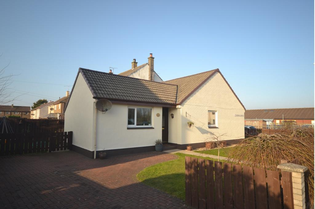 3 Bedrooms Semi Detached Bungalow for sale in 2 St Andrews Avenue, Prestwick, KA9 2DY