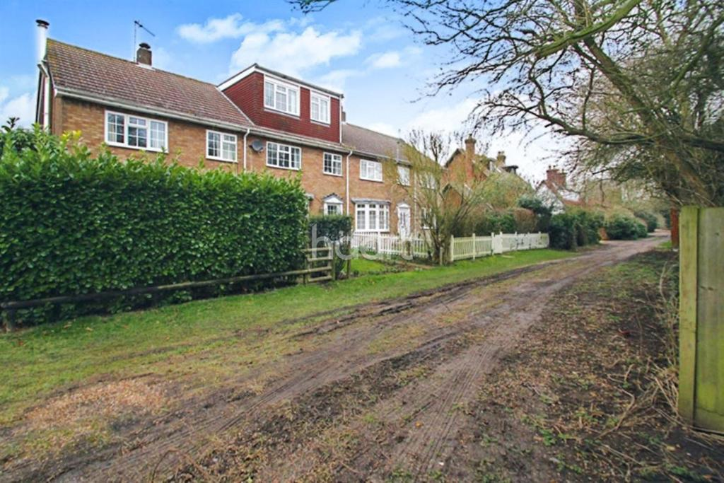 3 Bedrooms Terraced House for sale in Hertfordshire Village Of Offley