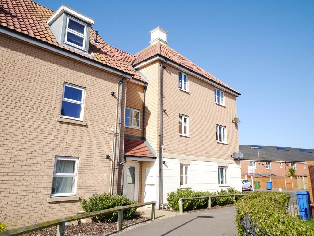 2 Bedrooms Apartment Flat for sale in Buttermere Way, Carlton Colville, Lowestoft