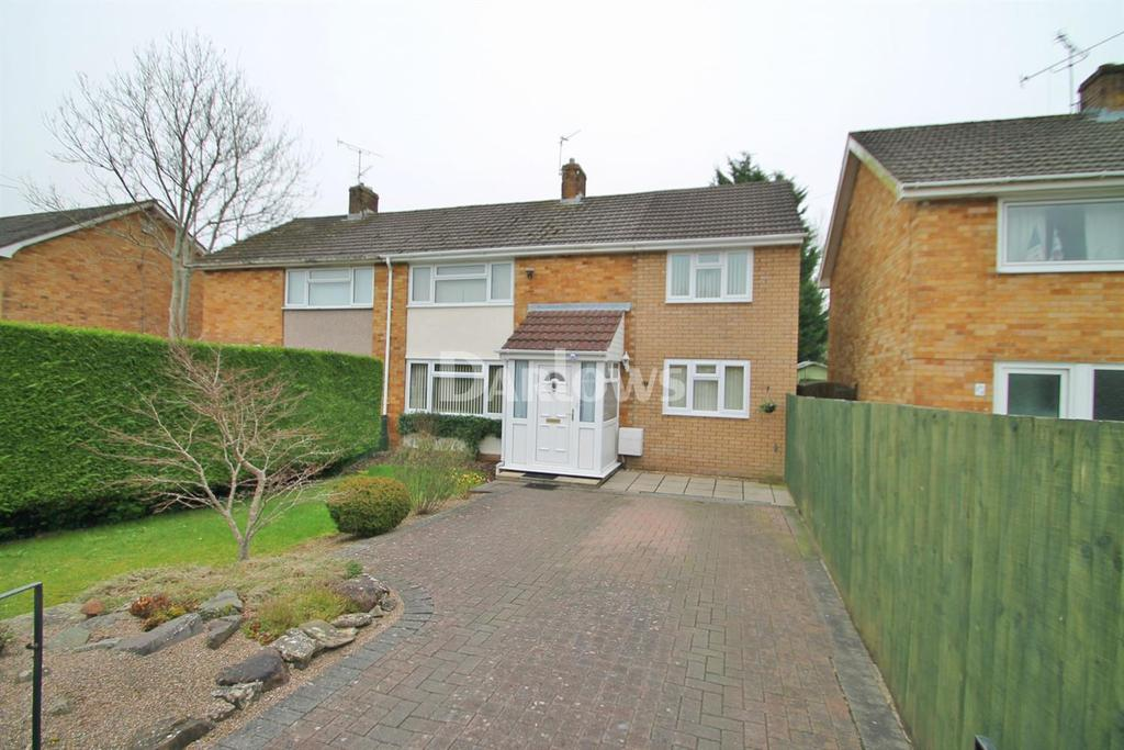 3 Bedrooms Semi Detached House for sale in Marysfield Close, Marshfield, Cardiff