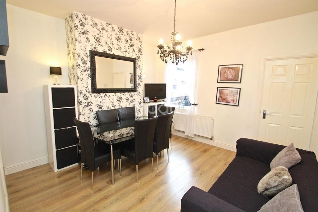 3 Bedrooms Semi Detached House for sale in Station Road, Kimberley