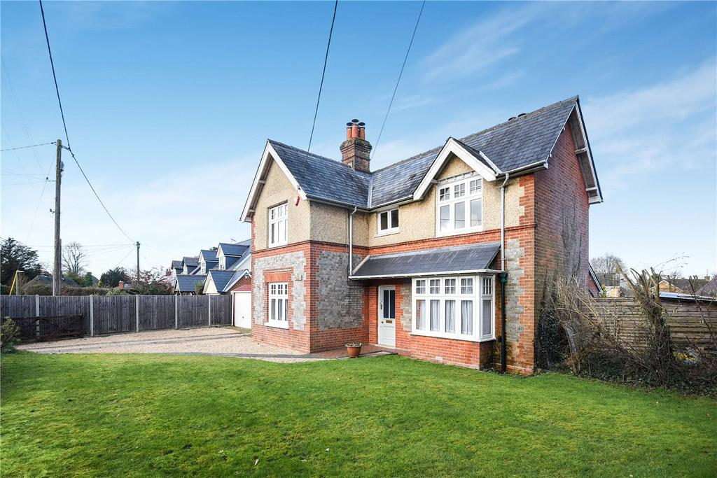 4 Bedrooms Detached House for sale in Hill Road, Oakley, Hampshire, RG23