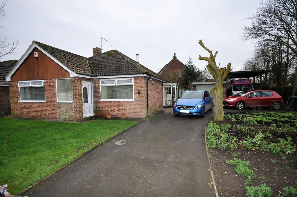 2 Bedrooms Detached Bungalow for sale in Grove Road, Fishlake, Doncaster