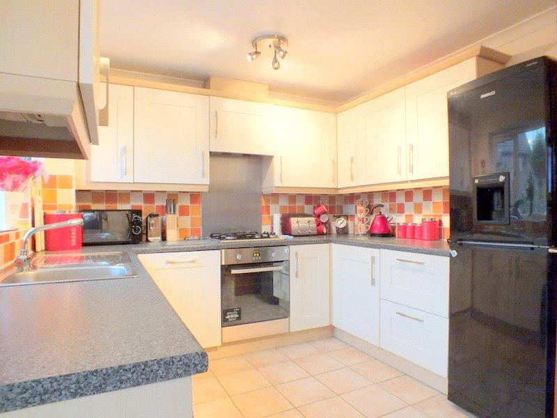 3 Bedrooms Terraced House for sale in The Avenue, St George's, Weston Super Mare, BS22