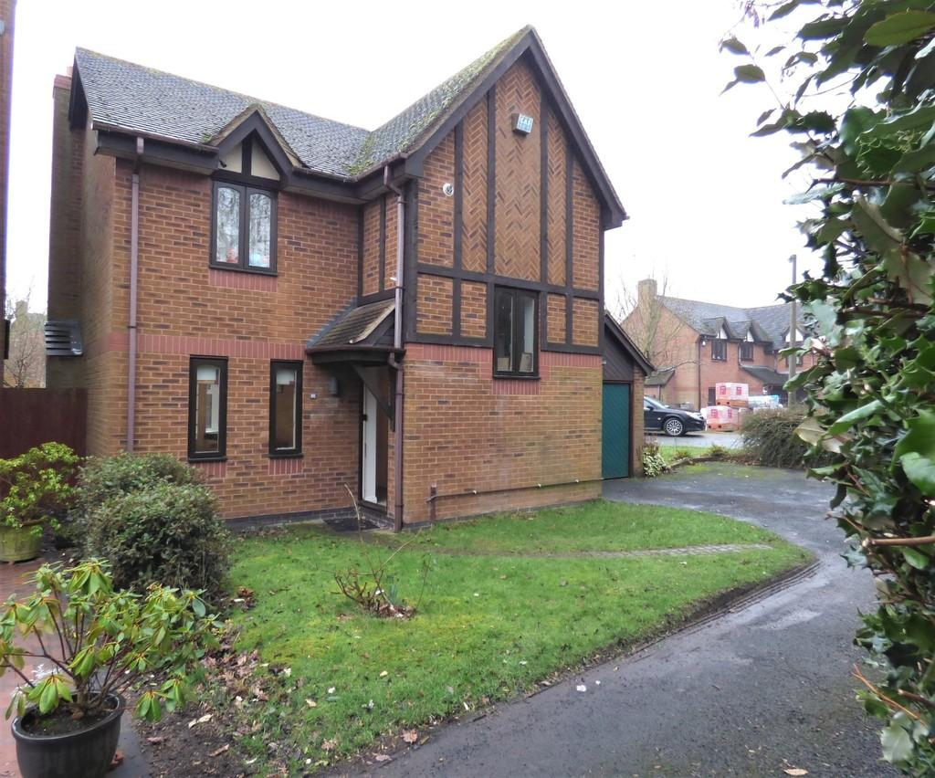 3 Bedrooms Detached House for sale in Holly Drive, Fradley