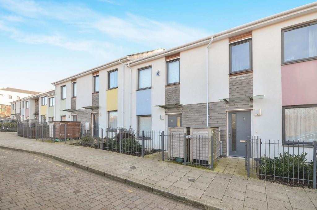 2 Bedrooms Terraced House for sale in Cowper Crescent, Colchester