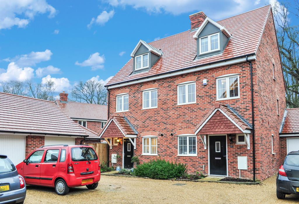 3 Bedrooms Semi Detached House for sale in FORGE WOOD