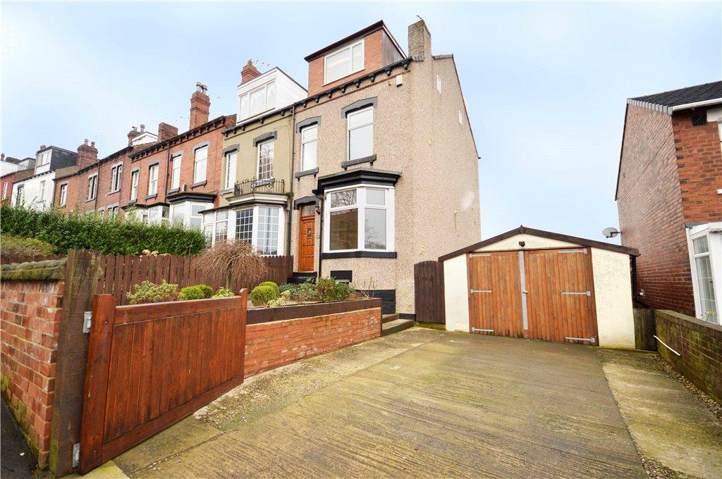 4 Bedrooms Semi Detached House for sale in Silver Royd Hill, Leeds, West Yorkshire