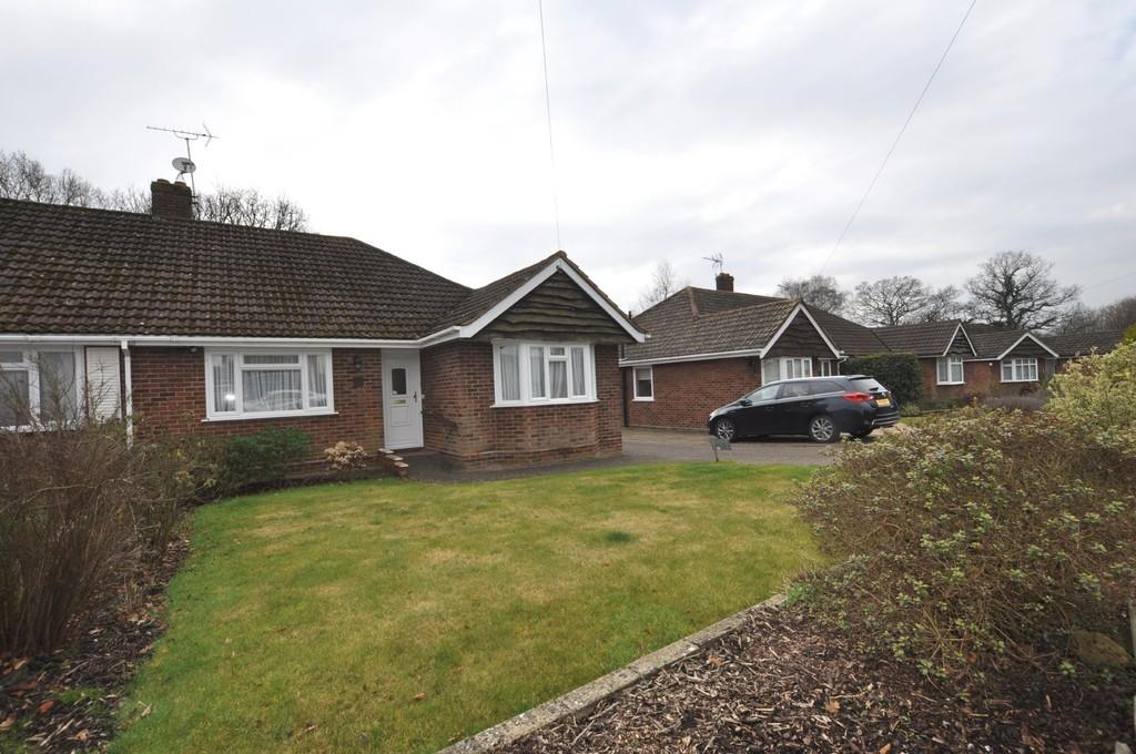 3 Bedrooms Semi Detached Bungalow for sale in St. Michaels Avenue, Fairlands