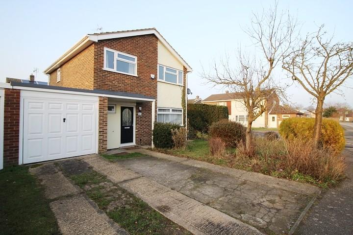 3 Bedrooms Detached House for sale in Laburnum Close, Great Bentley, Colchester, Essex, CO7