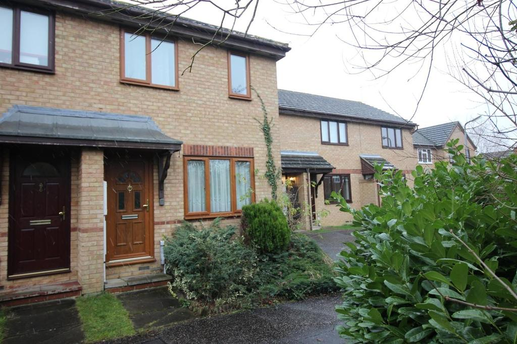 3 Bedrooms Terraced House for sale in Blacksmith Close, Springfield, Chelmsford, Essex, CM1