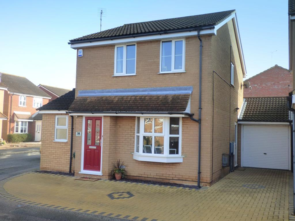 3 Bedrooms Detached House for sale in Truro Gardens, Flitwick, Bedfordshire, MK45 1UH