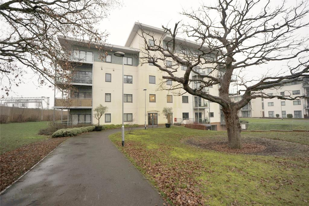 2 Bedrooms Apartment Flat for sale in Adlington House, Rollason Way, Brentwood, Essex, CM14