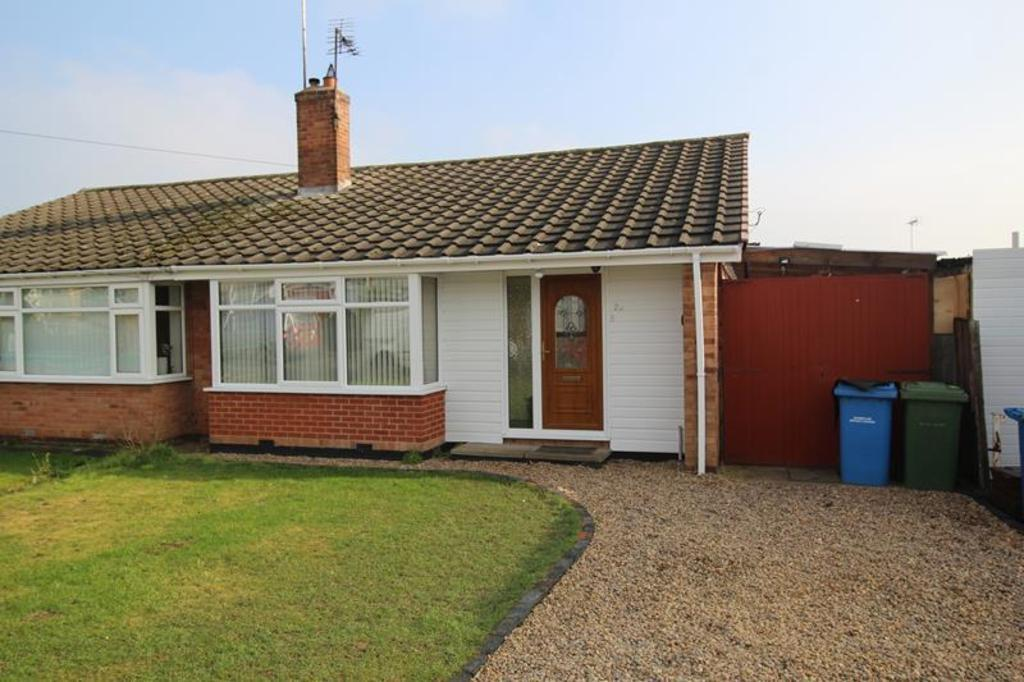 2 Bedrooms Semi Detached Bungalow for sale in 20 Conway Drive, Carlton in Lindrick