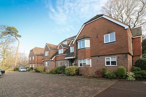 2 bedroom apartment to rent - Cedar Lodge, Mount Ephraim, Tunbridge Wells