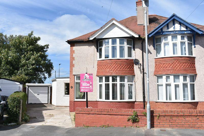 4 Bedrooms Semi Detached House for sale in Park Drive, Rhyl