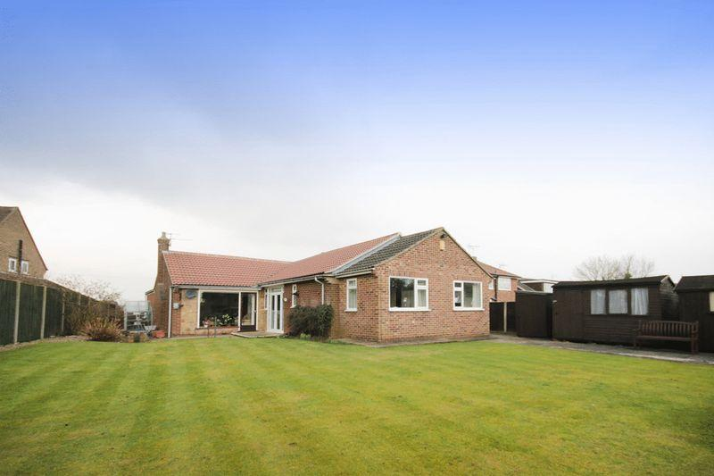 2 Bedrooms Detached Bungalow for sale in MUSWELL ROAD, MACKWORTH