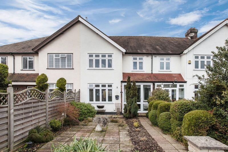 3 Bedrooms Terraced House for sale in Blackbrook Lane, Bickley Bromley