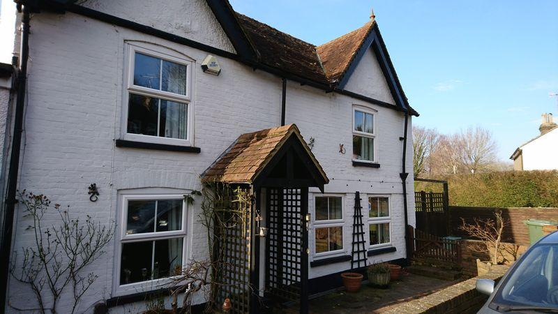 3 Bedrooms Semi Detached House for sale in Lower Green Road, Rusthall
