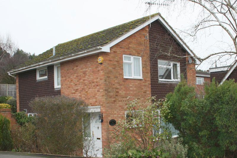 4 Bedrooms Detached House for sale in Sheldon Close, Pershore