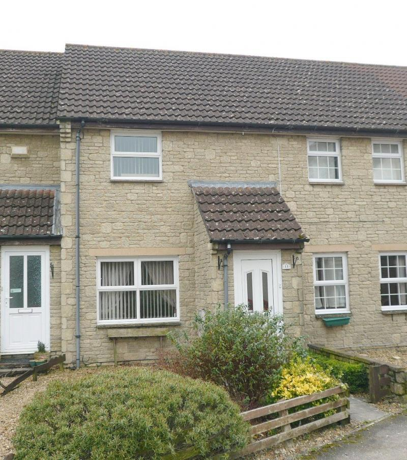 2 Bedrooms Terraced House for sale in Chalfield Close, Warminster, BA12