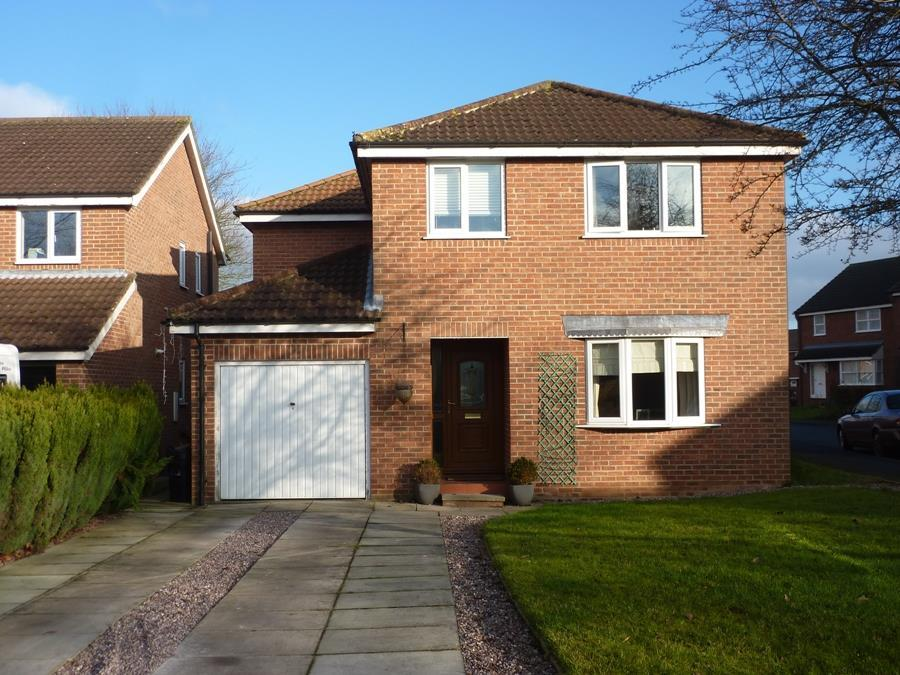 4 Bedrooms Detached House for sale in Beckside, Northallerton