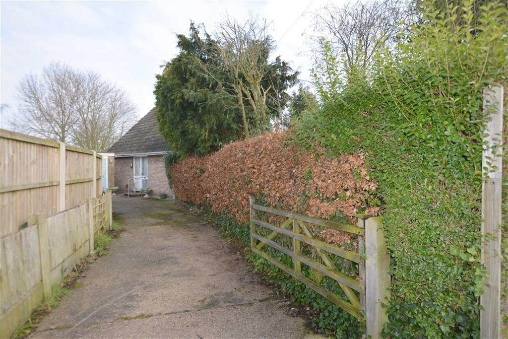 3 Bedrooms Detached House for sale in D'ayncourt Walk, Farnsfield, Nottinghamshire, NG22