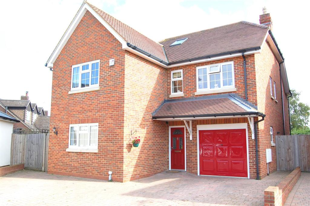 5 Bedrooms Detached House for sale in Ickleford
