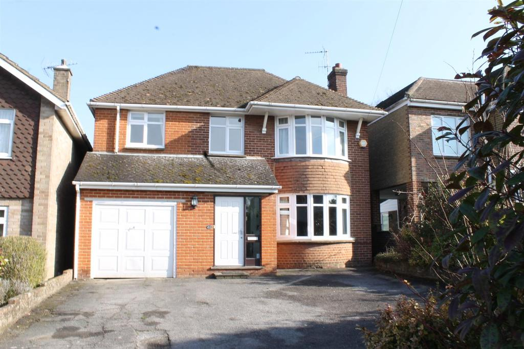 5 Bedrooms Detached House for sale in Sutton Road, Maidstone