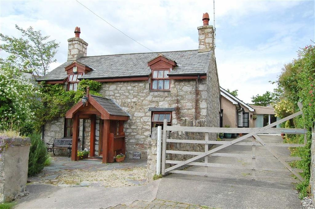 4 Bedrooms Detached House for sale in Pabo Lane, Llandudno Junction, Conwy