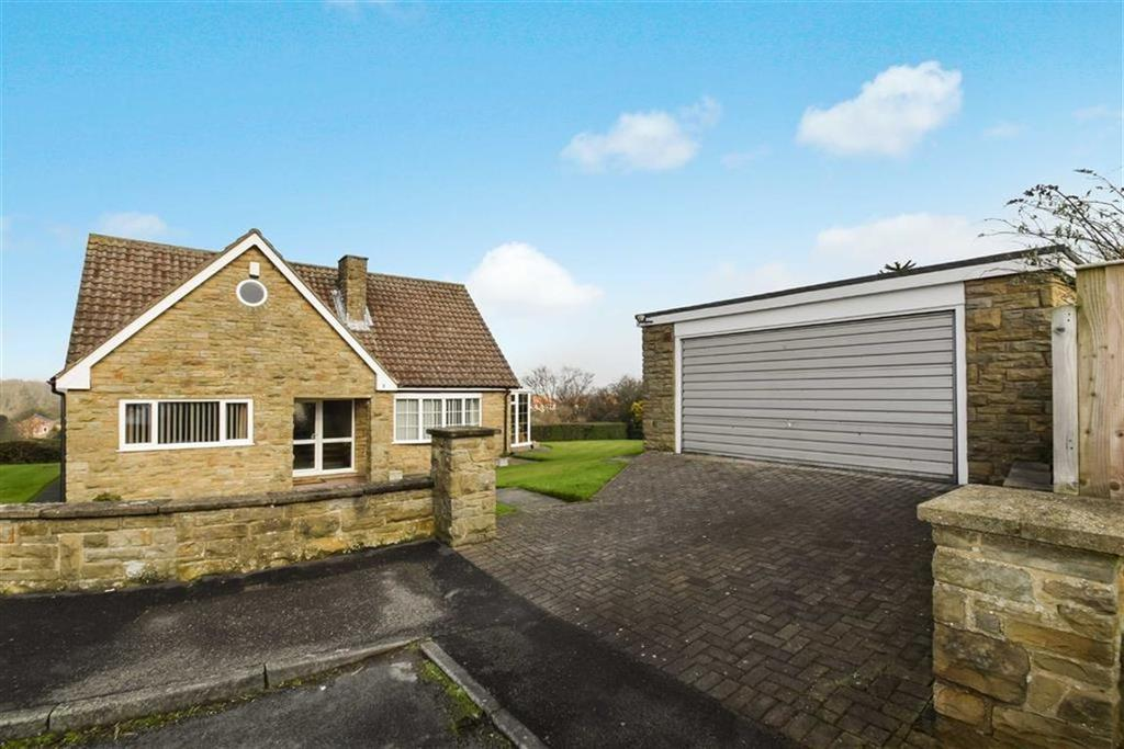 3 Bedrooms Detached Bungalow for sale in Holtby Grove, Scarborough, North Yorkshire, YO12