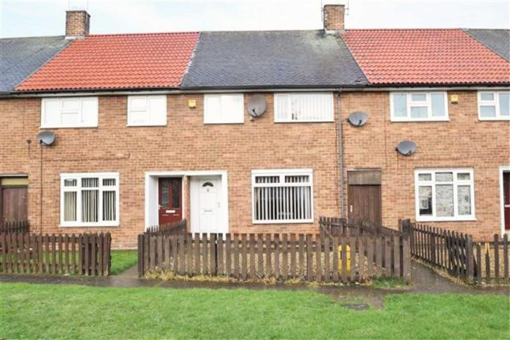 3 Bedrooms Terraced House for sale in Stratton Close, Longhill Estate, Hull, HU8