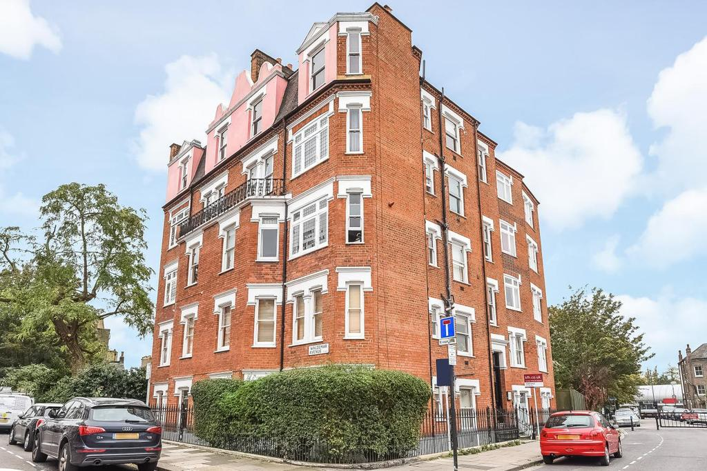 1 Bedroom Flat for sale in Waldemar Avenue, Fulham, SW6