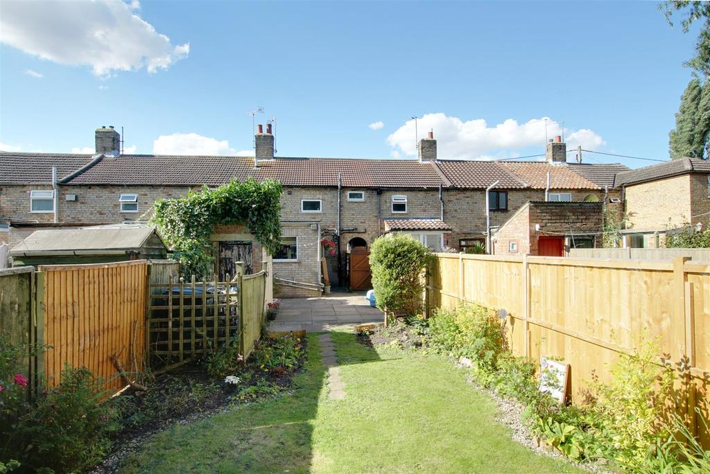 2 Bedrooms Terraced House for sale in 18 Seymour Lane, Alford, Lincolnshire