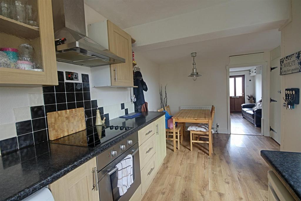 2 Bedrooms Terraced House for sale in Seymour Lane, Alford, Lincolnshire