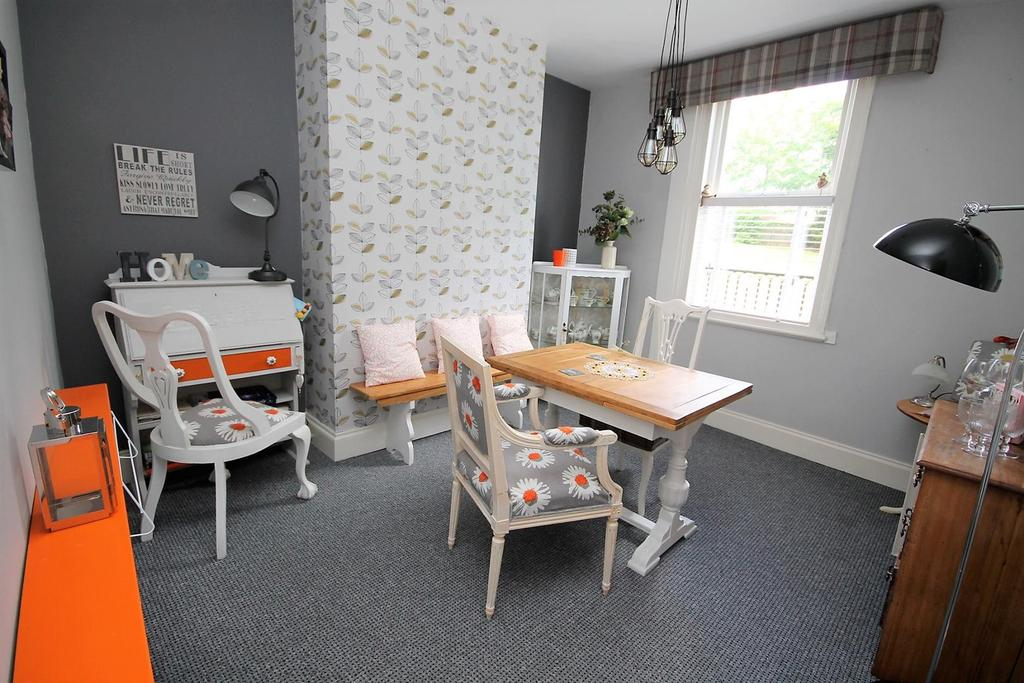 2 Bedrooms Terraced House for sale in Hermitage Place, Norton